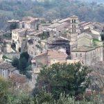 Montebuono - vista dall'alto del borgo medievale di Fianello